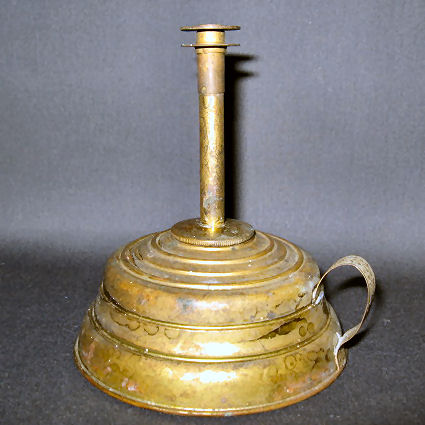 Disk Vapor BurnerOn brass finger lamp